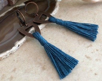 Stormy Blue Tassel earrings in copper | organic linen | color therapy