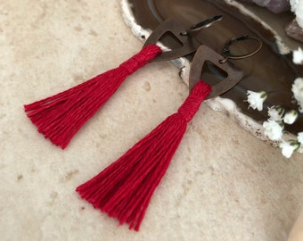 Red Tassel Earrings in copper | hand spun organic linen fiber | color therapy
