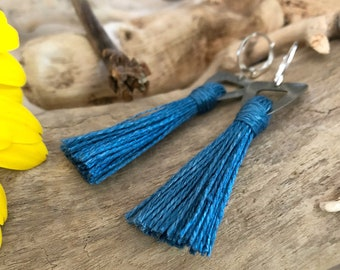 Stormy Blue Tassel earrings in pewter | organic linen | color therapy