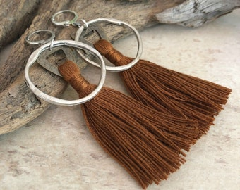 Omímeya Tassel earrings in caramel brown organic linen | hammered silver circle hoop