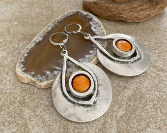 Sun Spirit Earrings | spiny oyster in ancient contemporary jewelry