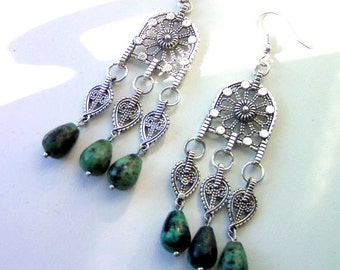 Chandelier earrings in african Turquoise. Ethnic earrings. Drops of turquoise and tibetan silver. Boho earrings.