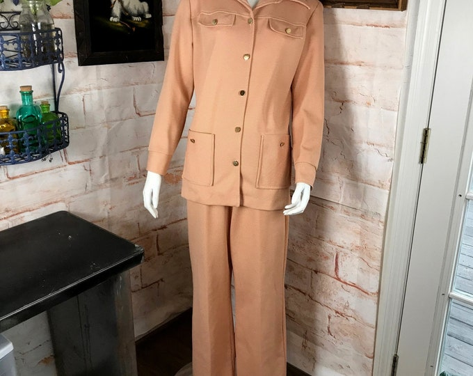 Vintage 70s Womens Peach L/XL Wide Leg Pants Shirt jacket Polyester Matching Set Leisure Suit 1970s Disco XLarge/Large Butterfly Collar