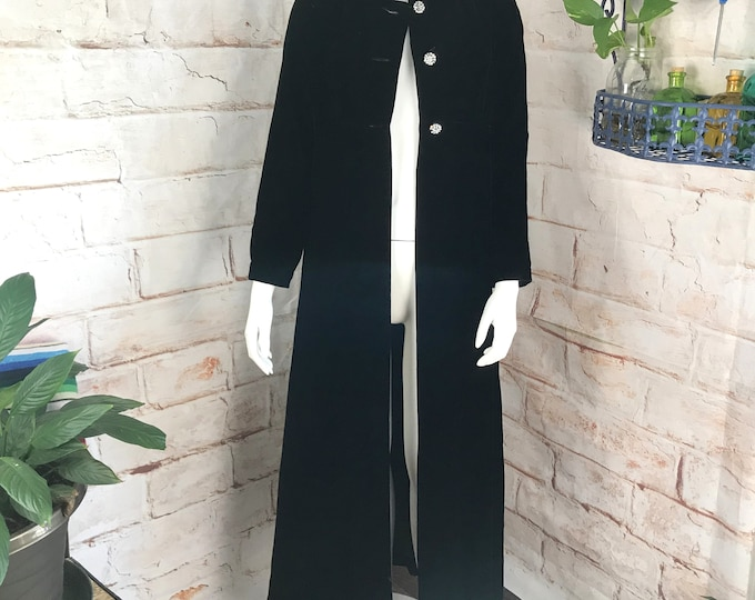 Vintage 60s 70s Womens Black S Velvet Opera Riding Coat Maxi Duster Goth Gothic small