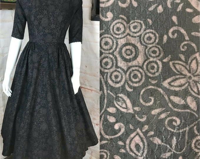 Vintage 50s 60s Mr Mort Floral Full Skirt Textured Cotton Fit Flare Dress XS/S