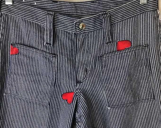 Vintage 70s Novelty Red Hearts 30x28 Conductor Train Striped Wrangler denim Jeans Denim Bell Bottom Flared Pants 1970s S/M Small/medium