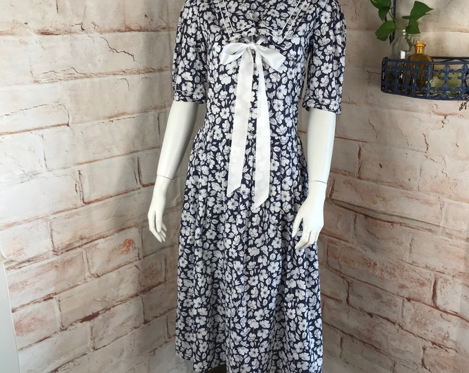 Vintage 80s Laura Ashley Navy Blue S Small Floral Sailor Collar Bow midi Dress 1980s White