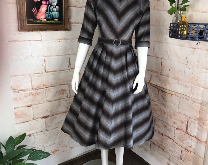 Vintage 50s Shadow Chevron Striped S Small Full Skirt Vicky Vaughn Dress 1950s