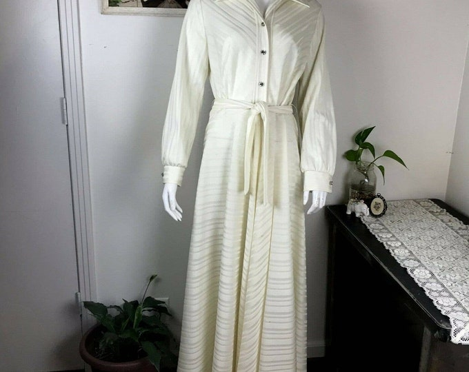 Vintage 70s Cream White Wedding Striped Butterfly Collar Maxi Gown Hostess Dress 1970s L Large Lounge