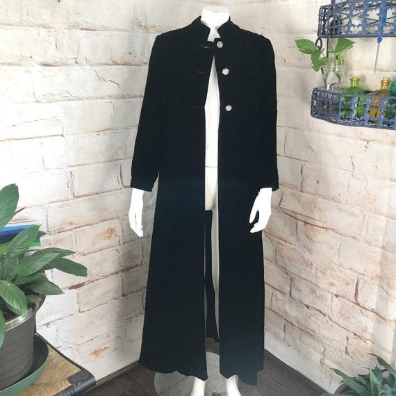 Vintage 60s 70s Womens Black S Velvet Opera Riding Coat Maxi Duster Goth Gothic small