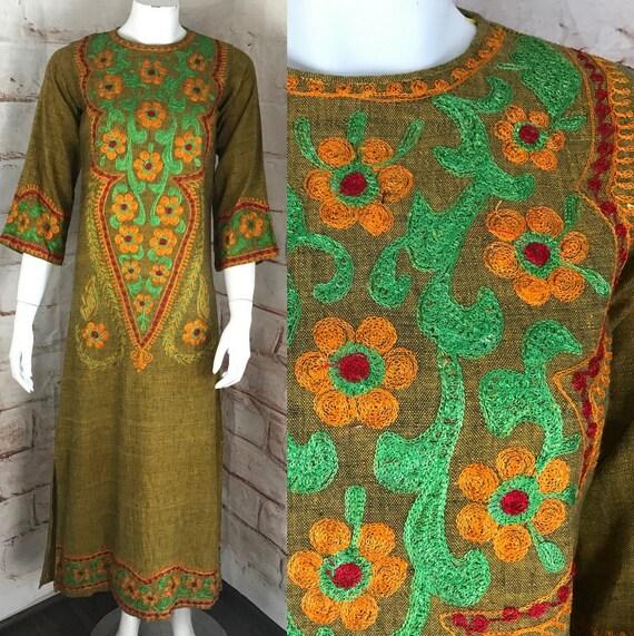 Vintage 70s Womens Floral XS embroidered green caftan maxi Pakistan India Dress 1970s XXS XSmall XXSmall