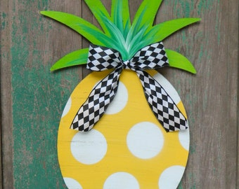 Pineapple Door Hanger - Pineapple Welcome - Southern Hospitality Wreath - Polka Dot Pineapple - Choose Bow
