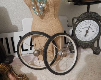 Antique Carriage or Buggy Metal Wheel Salvage Re-purpose 1 Wheel