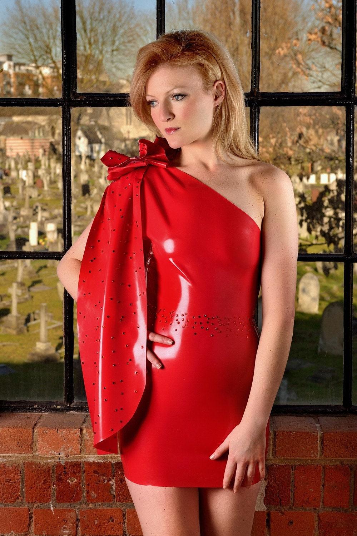 Latex Kleid mit Swarovski-Kristallen