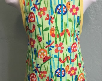 Clearance Preschool garden bugs kids apron with rounded bottom personalization is free
