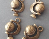 4pcs-3D earth globe charm-antique bronze tone Earth Charm