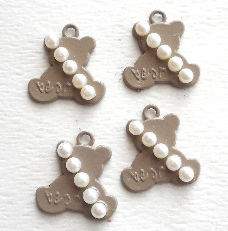 4pcs-20mmX18mm enamel Sandy Brown teddy Bear charm w faux Pearl-more colors