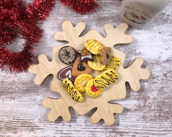 Christmas snow flake Cutting board and Serving tray make a great  gift and a perfect decoration