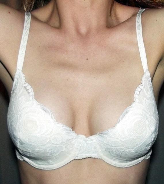 066749226cce5 VTG 60s White Lace MAIDENFORM Push Up Bra Pin Up Brassiere Bra