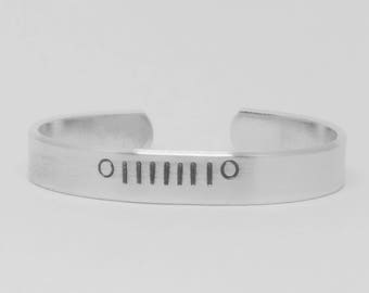 Jeep grille: hand stamped aluminum cuff bracelet for jeep girls, jeep moms, jeep life enthusiasts. Custom, can be personalized