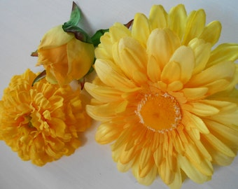 Yellow Silk Flowers / Floral Supply / DIY Flowers / Crafting Flowers / Fake Flowers / Artificial Flowers / Yellow Crafting Flowers / Silks