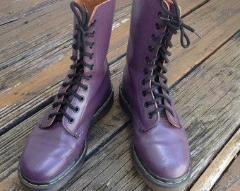 5a197f345d Vtg Dr Martens Docs Purple Smooth Leather Combat Moto Biker Motorcycle  Boots Womens Ladies Size 5 UK 3 Shoes England Vintage