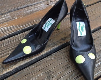 3d98201ce05 Vtg 80s 90s Tiber Black Chartreuse Lime Green Polka Dot Pointy Toe Heels  Pumps Size 7 EUR 37 Witch ShoesVintage 1980s 1990s Italy
