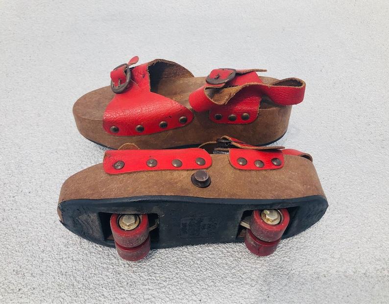 a85dc361a07 Vintage 1970s Omnia C Pop Out Platform Sandal Roller