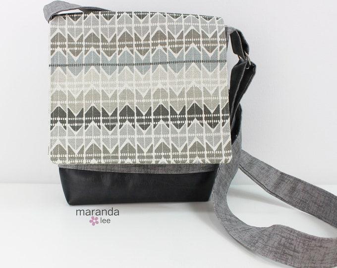 Nori Medium Flap Messenger Cross Body Bag - Quartz Linen HD - READY to SHIP