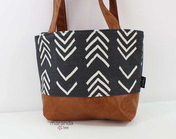 Lulu Medium Tote Black On Point  READy to SHIp  Zipper Closure