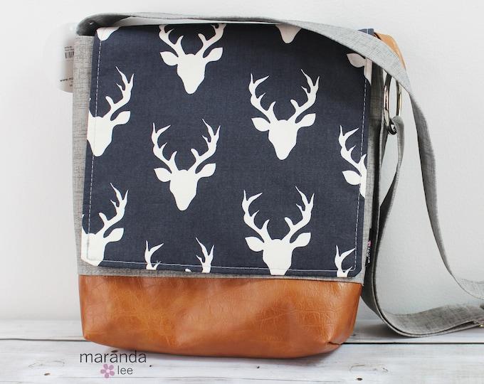 Nori Medium Flap Messenger Deer