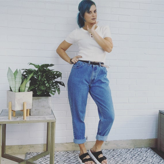 Vintage 90's Mom Jeans High Waisted Jeans
