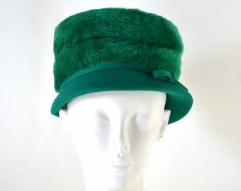 1960s MOD Teal Green Fuzzy Crown Felted Wool Cloche Hat by Lynne Brooke