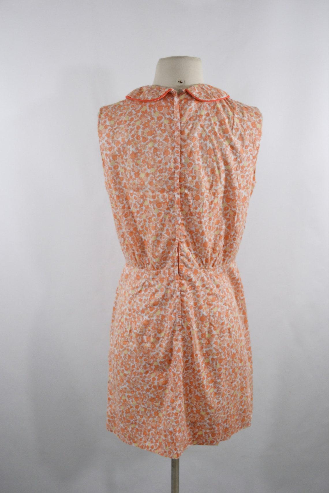 1950s/1960s Pale Orange Novelty Fruit Print Sleeveless Shift