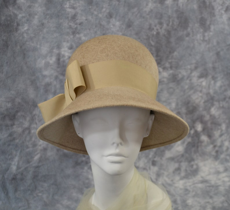 1960s Gray Beige Mushroom Bubble Brimmed Hat by Glenover/Henry image 0