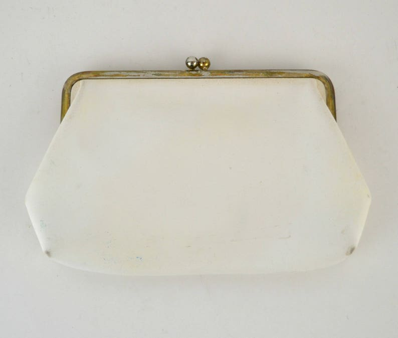 Vintage White Vinyl clutch Gold Tone Kiss Clasp Estate image 0