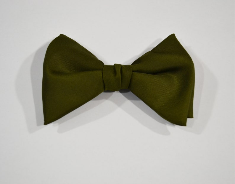 1960s/1970s Dark Olive Green Satin Bow Tie by Ormond Clip image 0