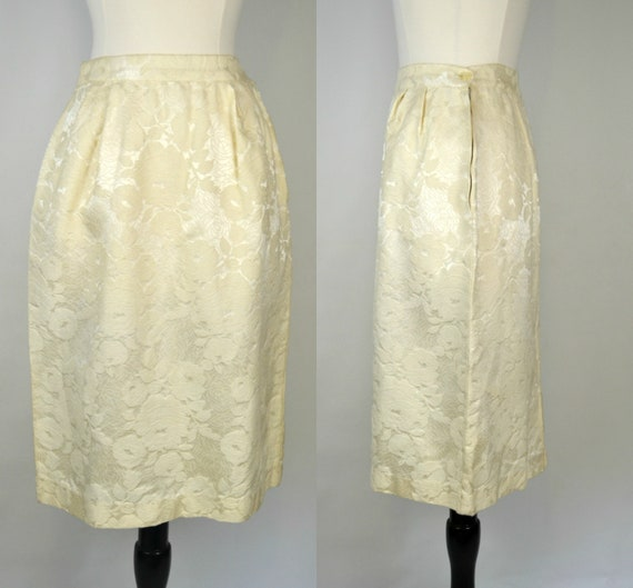 1960s Soft Buttery Yellow Brocade Rose Pattern Kne