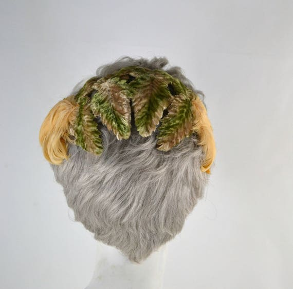 1950s Green Velvet Leaf and Peach Feather Fascinat
