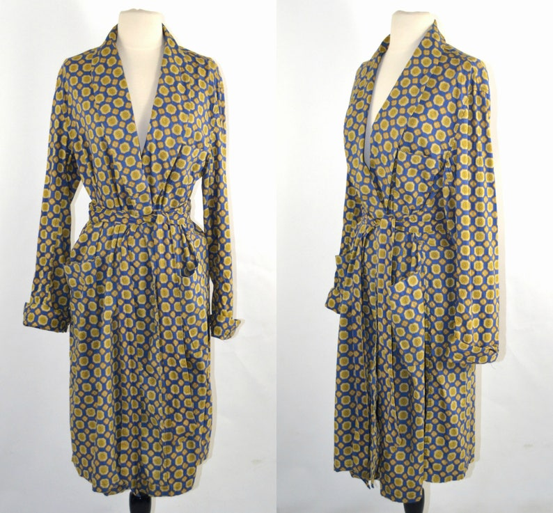 1970s Mens Blue and Gold Medallion Print Robe by The Higbee image 0