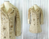 Vintage Sheared Lamb Fur Coat Golden Beige 1950s 1960s 34 35 Bust Celluloid Buttons Double Breasted Astrakhan Extra Small Petite 2