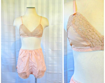 881ddd7be6d8 Vintage Silk Bra and Tap Pants Dead Stock 1930s 1940s 34 36 Peach Beige Lace  Bralet New NOS Brassiere S M Matching Set S Small M Medium