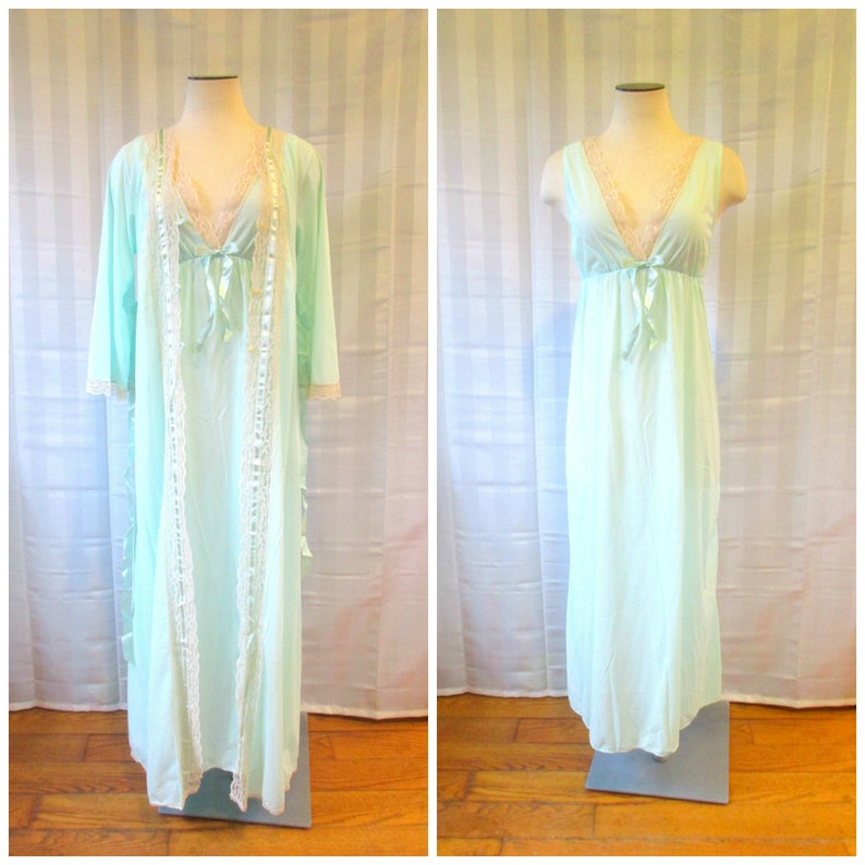 4279fad9c Vintage Negligee and Peignoir Deadstock Nan Flower Matching