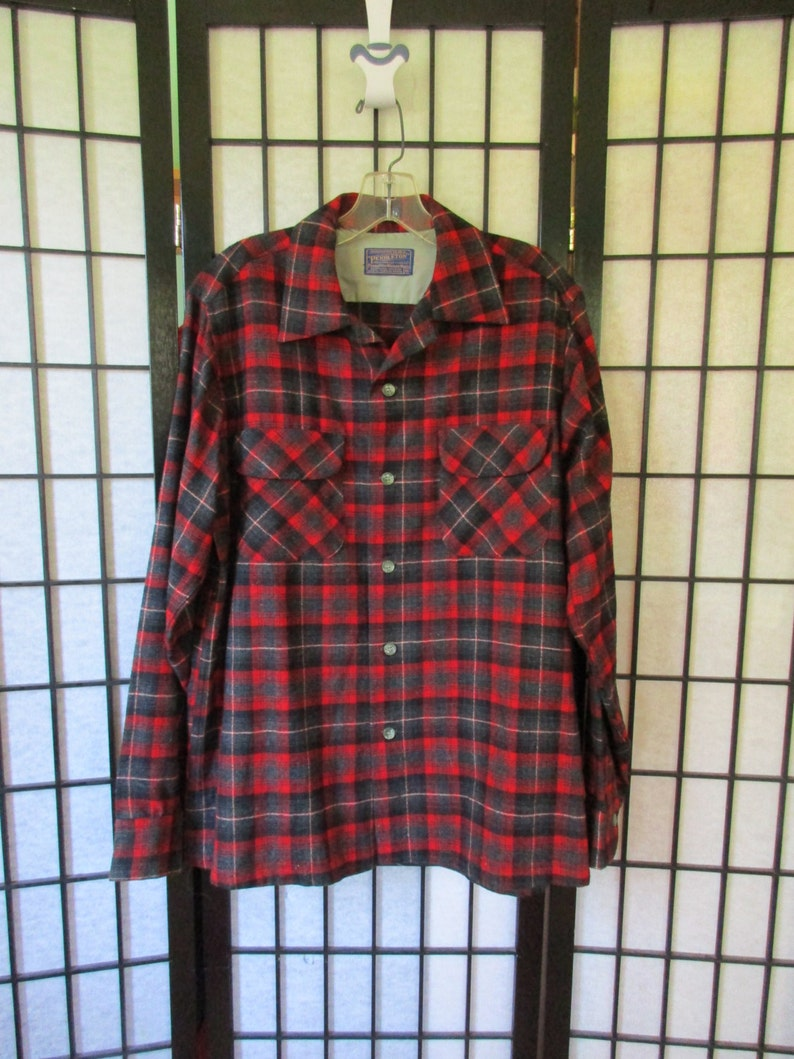 9752773c4ee72 Vintage Plaid Shirt Wool Flannel Pendleton 46 Chest Shirtjacket 1950s 1960s  Red Black Gray Loop Collar M Medium Possibly Deadstock NOS