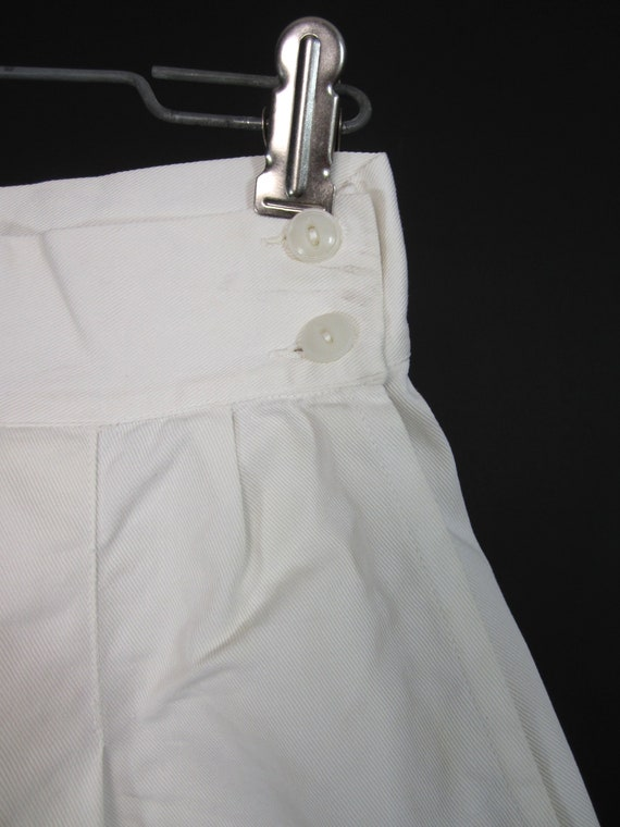 Vintage 30s 40s White Shorts High Waisted Wide Le… - image 3