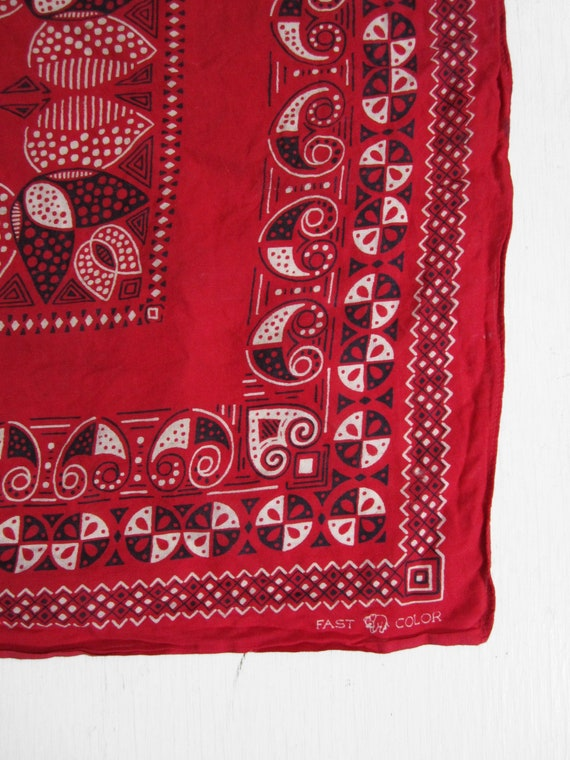 Vintage 40s Red Bandana Trunk Down Turkey Red Fast