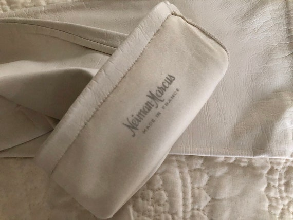 """22""""//Long //White Kid Leather silk lined Gloves /… - image 4"""