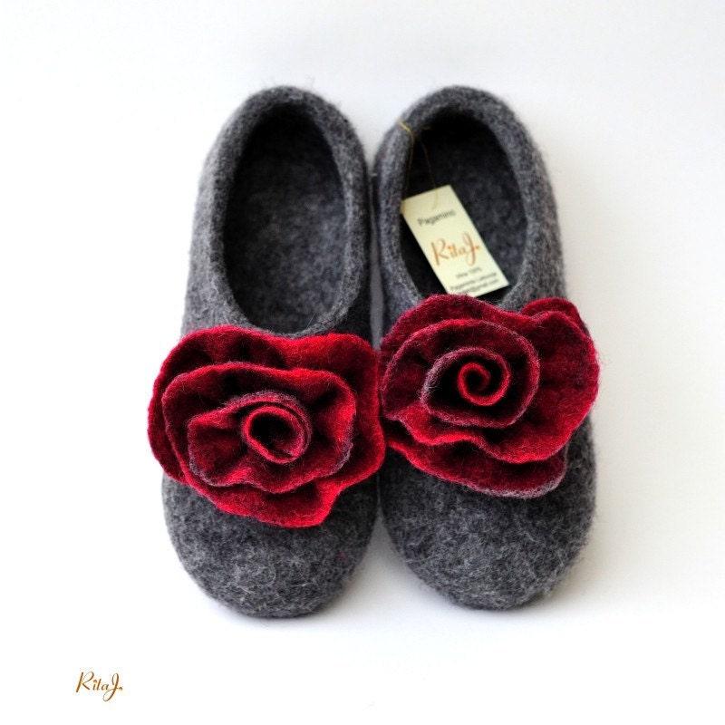 Grey Red Felt not heavy elegant red flowers Autumn Winter indoor women slippers