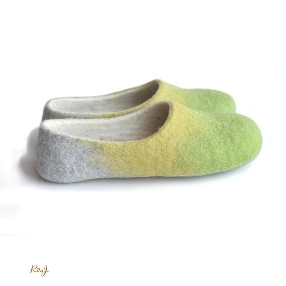 Handgemaakte wol vilten pantoffels huis schoen aarde lente kleur appelgroen anijs geel grijs
