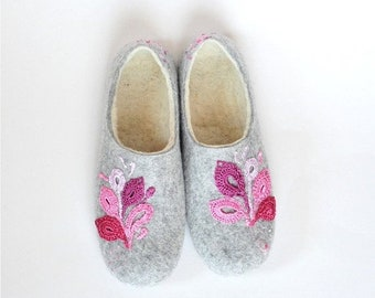 Summer Sale Felted slippers with handmade lace